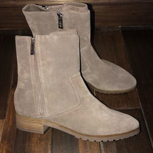 Women's size 10 Michael kors suede taupe boots